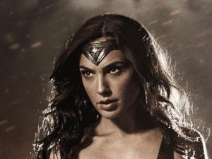gal-gadot-s-wonder-woman-costume-breakdown-3c0001ce-f213-4af0-bc95-aceeb0d11fcb-jpeg-104772