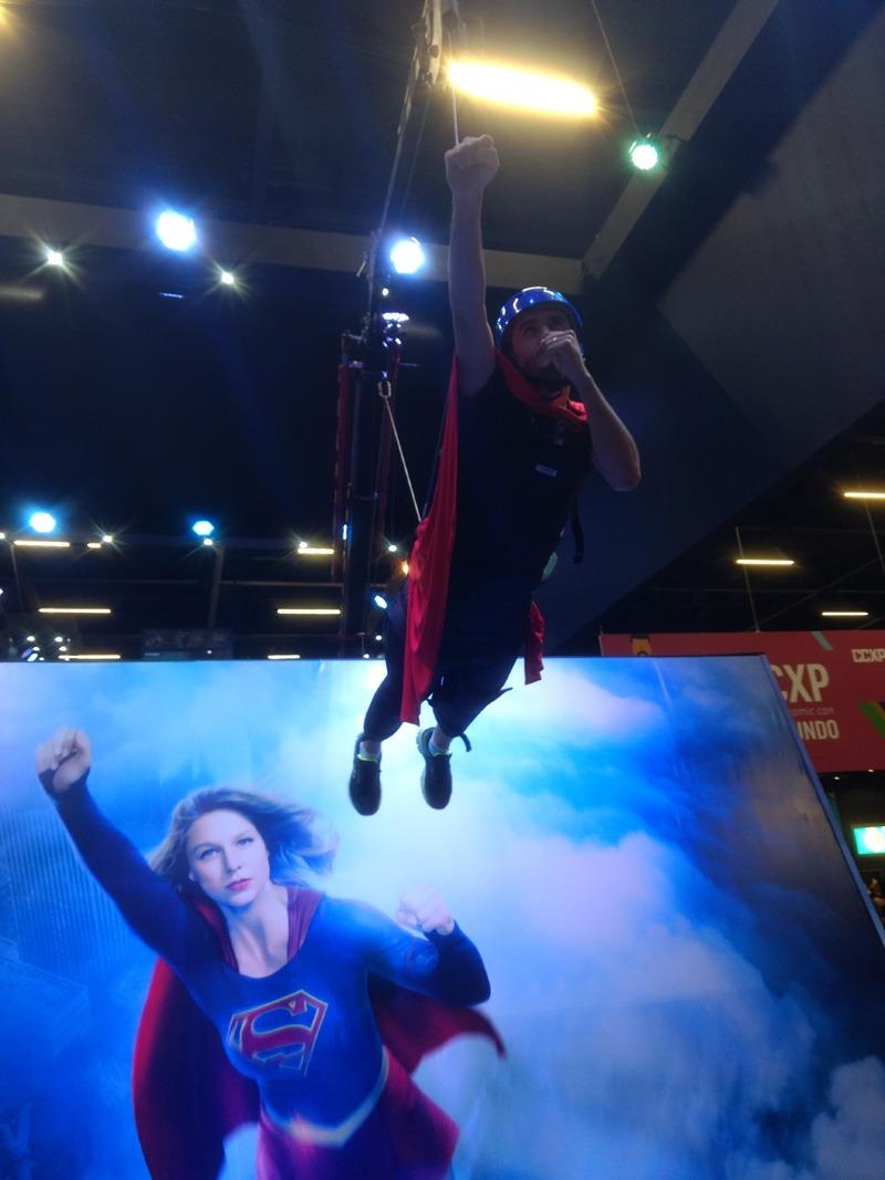 ccxp-supergirl-2